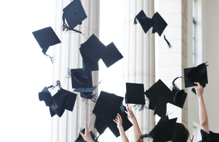 Ayuda-trabajos-académicos-y-trabajos-universitarios-por-encargo